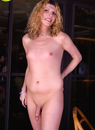 Cute Blonde Tranny Kat Poses Naked for her Vacation down in Florida.